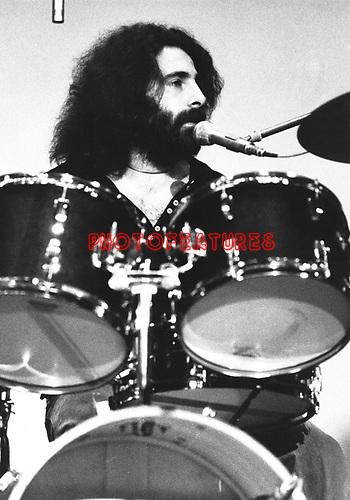 10cc  1973  Kevin Godley<br /> © Chris Walter