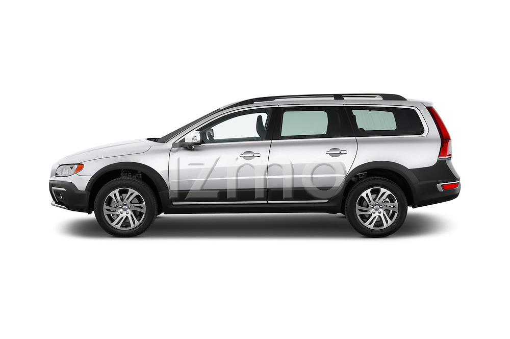 Car driver side profile view of a 2015 Volvo XC70 T5 5 Door Wagon