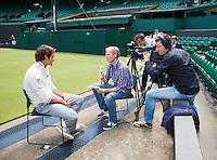 20-06-12, England, London, Wimbledon, Tennis, Interview NOS op het Centercourt met Roger Federer.