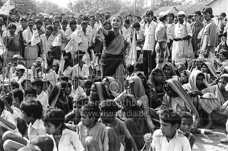 India, Narmada River, Narmada dams and protest movement of NBA Narmada Bachao Andolan, movement to save the Narmada river, and affected Adivasi in their villages, NBA rally in Dhadgoan, Medha Patkar, September 1993