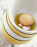 Gastronomie générale / Cuisine générale :  Ingrédients pour l' aïoli