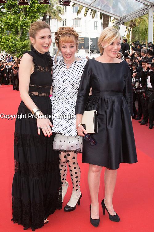 Julie Gayet, Julie Depardieu, Chantal Ladessou - CANNES 2016 - MONTEE DES MARCHES DU FILM 'LA FILLE INCONNUE'