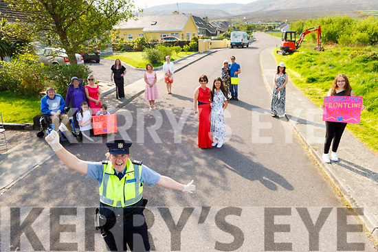 Gda Mary Gardiner from the Tralee Garda Station with the residents of Tonavane ready to Dance for Dan on Saturday morning.