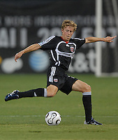 DC United midfielder Brian Carroll (16) makes a pass to his teammates during the game. Monarcas Morelia tied DC United 1-1 in the SuperLiga opening match in group B, at RFK Stadium in Washington DC, Wednesday July 25, 2007.