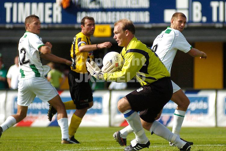 veendam - groningen voorbereiding seizoen 2007-2008 28-07-2007 doelman jeroen lambers redt