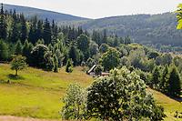 Berglandschaft bei Swieradow Zdroj, Woiwodschaft Niederschlesien (Województwo dolnośląskie), Polen, Europa<br /> Mountains near Swieradow Zdroj, Poland, Europe