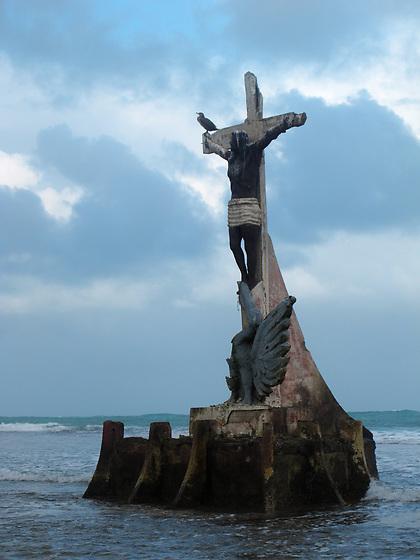El Cristo Negro de los Corales / Isla Grande / Panamá.<br /> <br /> Edición de 10 | Víctor Santamaría.