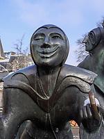 """Plastik """"Saltimbanques"""" = Gaukler von Benedicte Weis auf dem Theaterplatz-Place du Theatre, Luxemburg-City, Luxemburg, Europa, <br /> sculpture """"Saltimbanques"""" by Benedicte Weis -Place du Theatre, Luxembourg City, Europe"""