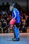 MANNHEIM, DEUTSCHLAND, FEBRUAR 01: Viertelfinale in der 1. Hockey Bundesliga der Herren, Hallensaison 2013/2014. Begegnung zwischen dem Mannheimer HC (blau) und RW Köln (rot) am 01. Februar, 2013 in der Irma-Röchling-Halle in Mannheim, Deutschland. Endstand 4-6. (4-1) (Photo by Dirk Markgraf / www.265-images.com) *** Local caption *** #32 Peter Schlich von RW Köln