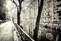 Milano, Naviglio Pavese in via Ascanio Sforza. Elaborazione artistica --- Milan, Naviglio Pavese canal in Ascanio Sforza street. Creative processing