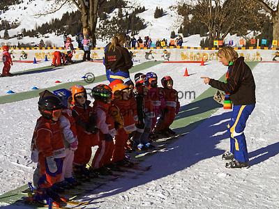 Austria, Tyrol, Lermoos: ski school for the youngest