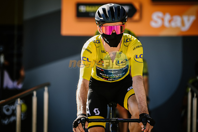 Yellow Jersey Adam Yates (GBR) Mitchelton-Scott at sign on before Stage 6 of Tour de France 2020, running 191km from Le Teil to Mont Aigoual, France. 3rd September 2020.<br /> Picture: ASO/Pauline Ballet | Cyclefile<br /> All photos usage must carry mandatory copyright credit (© Cyclefile | ASO/Pauline Ballet)
