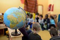 GERMANY, Hamburg, Kindergarten for children of illegal refugees / DEUTSCHLAND Hamburg, Kita Maimouna e.V., betreut Kinder von illegalen Einwanderern
