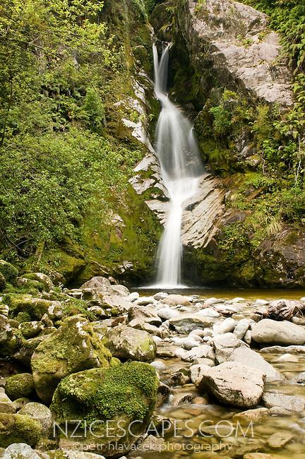 Dorothy Falls at Lake Kaniere near Hokitika - West Coast, New Zealand
