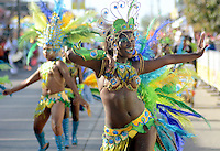 BARRANQUIILLA -COLOMBIA-17-FEBRERO-2015. Gran Parada de Fantas'a! Fiesta de brillo, color y mucho ritmo<br /> Lo moderno, lo estilizado, lo que mezcla lo aut—ctono con lo internacional, lo que presenta nuevas propuestas en bailes, aires musicales y vestuario, lo que significa esplendor, luces, brillo y color, hacen parte de este desfile de lunes de Carnaval que llega a sus primeros 10 a–os. /  Gran Parada Fantasy! Feast of brightness, color and rhythm<br /> The modern, stylized, which blends the indigenous with international, presenting new proposals dances, musical airs and costumes, which means splendor, lights, brightness and color, are part of this parade Carnival Monday arrives its first 10 years..Photo:VizzoImage / Alfonso Cervantes / Stringer