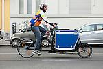 Diego trasportatore di  vino in bicicletta. Diego carrier wine in bicycle