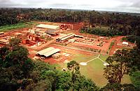 Mina de Ouro do Igarapé Bahia explorada pela CVRD-Companhia Vale do Rio Doce em Carajás no sul do Pará- Brasil.<br />©Foto: Paulo Santos/Interfoto.<br />1998<br />Negativo Cor 135 Nº 6223 T6 F29 Mina de ouro do igarapé Bahia