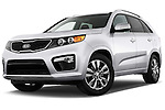 Low aggressive front three quarter view of a 2013 KIA Sorento SX