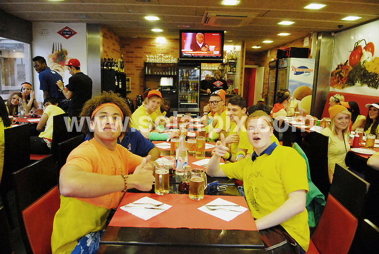 **ALL ROUND EXCLUSIVE PICTURES FROM SOLARPIX.COM**.**WORLDWIDE SYNDICATION RIGHTS**.PIctures show tonight's festivities at Salou fest 2010, in Salou near Barcelona, Spain, where up to 5000 British students take part in sports in the daytime, and then begin drinking on the beach to party until the early hours of the morning. Salou, Spain. 31 March 2010..This pic: Saloufest 2010, British students in a local restaurant..JOB REF: 11025 NSP    DATE: 31_03_2010.**MUST CREDIT SOLARPIX.COM OR DOUBLE FEE WILL BE CHARGED**.**MUST AGREE FEE BEFORE ONLINE USAGE**.**CALL US ON: +34 952 811 768 or LOW RATE FROM UK 0844 617 7637**
