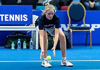 Alphen aan den Rijn, Netherlands, December 16, 2018, Tennispark Nieuwe Sloot, Ned. Loterij NK Tennis, Ballgirl in Action<br /> Photo: Tennisimages/Henk Koster