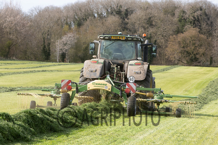 26-4-2021 Rowing silage in the Lincolnshire Wolds<br /> ©Tim Scrivener Photographer 07850 303986<br />      ....Covering Agriculture In The UK....