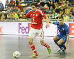 Ugra Yugorsk's Ivan Chishkala (r) and SL Benfica's Chaguinha during UEFA Futsal Cup 2015/2016 Semifinal match. April 22,2016. (ALTERPHOTOS/Acero)