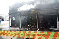 CAMPINAS, SP 18.10.2018-INCENDIO-Um incendio que atingiu uma loja de bombas para injeção eletronica veicular e uma loja de moto, deixou um homem ferido na tarde desta quinta-feira (18) na avenida Mirandopolis, no jd do Lago na cidade de Campinas, interior de São Paulo. A vitima foi encaminhada pelo helicoptero Aguia para o hospital de clinicas da Unicamp. (Foto: Denny Cesare/Codigo19)