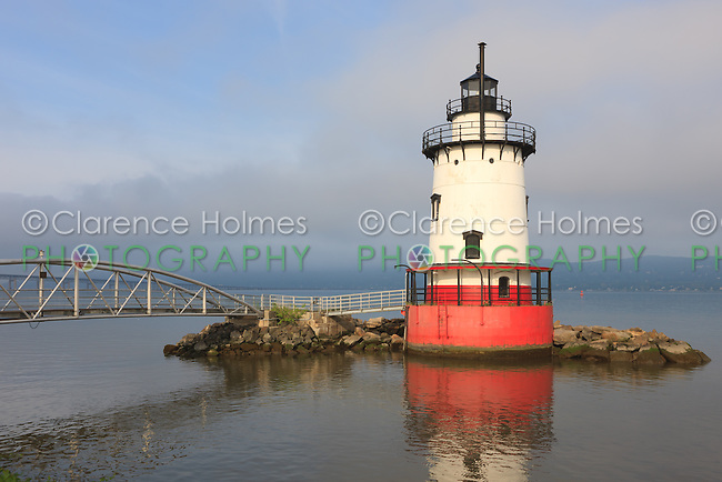 Early morning view of the Tarrytown Lighthouse, on the Hudson River near the village of Sleepy Hollow, New York