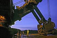 Mineração de ferro em Carajás. Pará. 1999. Foto de Ricardo Azoury.