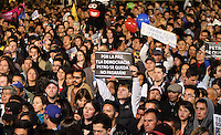 BOGOTA -COLOMBIA, 10-01-2014. Marcha y concentración de seguidores de Gustavo Petro, alcalde mayor de Bogota D.C. destituido por el procurador general de la nación./ March and concentration at Bolivar square of the followers of Gustavo Petro mayor of Bogota D.C. dismissed by the Attorney General of the Nation. Photo: VizzorImage / Felipe Caicedo / Staff