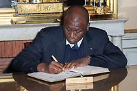 HAMED BAKAYOKO (MINISTRE DE LA DEFENSE DE LA REPUBLIQUE DE COTE D'IVOIRE) - ENTRETIEN DE FLORENCE PARLY, MINISTRE DES ARMEES, AVEC HAMED BAKAYOKO, MINISTRE DE LA DEFENSE DE LA REPUBLIQUE DE COTE D'IVOIRE A L'HOTEL DE BRIENNE, PARIS, FRANCE, LE 10/11/2017.