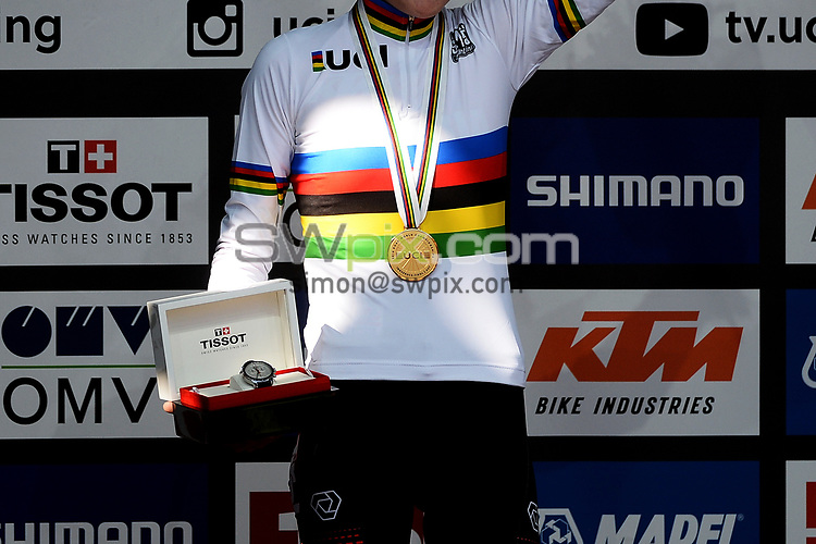 Picture by Richard Blaxall/SWpix.com - 27/09/2018 - Cycling 2018 Road Cycling World Championships Innsbruck-Tiriol, Austria - Women's Junior Race - Laura Stigger of Austria celebrates winning Gold