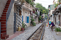 People living along the famed Hanoi Railway line.<br />