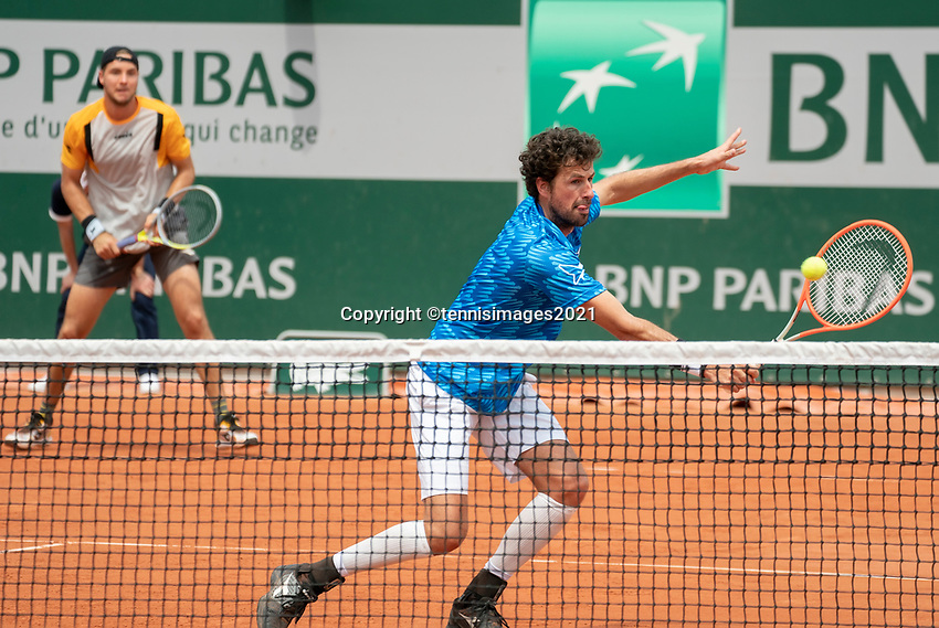 Paris, France, 1 june 2021, Tennis, French Open, Roland Garros, First round doubles match: Robin  Haase (NED) (R) and  Jan-Lennard Struff (GER)<br /> Photo: tennisimages.com