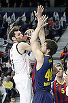 Real Madrid's Rudy Fernandez (l) and FC Barcelona's Ante Tomic during Euroleague match.February 5,2015. (ALTERPHOTOS/Acero)