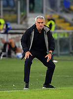 Calcio, Serie A: AS Roma vs Udinese, Olympic stadium, September 23, 2021.<br /> Roma's coach José Mourinho speaks to his players during the Italian Serie A football match between Roma and Udinese at Rome's Olympic stadium, on September 23, 2021.<br /> UPDATE IMAGES PRESS/Isabella  Bonotto