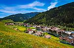 Oesterreich, Tirol, Zillertal Arena, Gerlos: bekannter Wintersportort ist auch im Fruehling eine Reise wert | Austria, Tyrol, Zillertal Arena, Gerlos: winter season has finished, spring has come