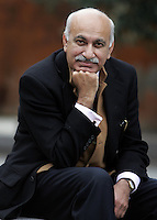 Lo scrittore e giornalista indiano M.J. Akbar ritratto a Roma, 15 gennaio 2008.Indian writer and journalist M.J. Akbar portrayed in Rome, 15 january 2008..UPDATE IMAGES PRESS/Riccardo De Luca
