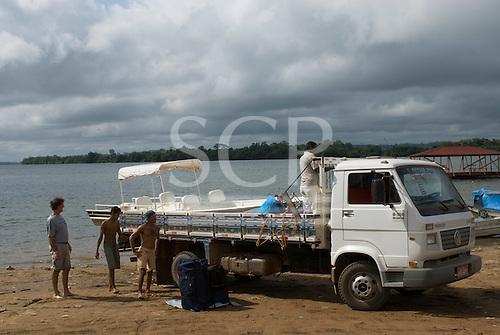 Pará State, Brazil. Altamira; loading the Coração do Brasil onto a truck.
