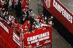 Atletico de Madrid players celebrate the victory in the UEFA Europa League with their supporters at Neptuno square. May, 13, 2010. Alvaro Dominguez, Ignacio Camacho, Antonio Lopez, Tiago, Kun Aguero and Raul Garcia..(ALTERPHOTOS/ Julian Bird)