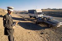 - police check point on the road Van - Baskale  (south-oriental Turkey, Turkish Kurdistan)....- posto di controllo della polizia sulla strada Van - Baskale (Turchia sud-orientale, Kurdistan turco)