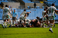 6th February 2021; Ricoh Arena, Coventry, West Midlands, England; English Premiership Rugby, Wasps versus Northampton Saints; Referee signals Northampton Saints win the penalty as the scrum breaks down
