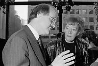 Richard French et Flora McDonald<br /> a Musique plus, Janvier 1987             .              <br /> <br /> PHOTO : Pierre Roussel -  Agence Quebec Presse