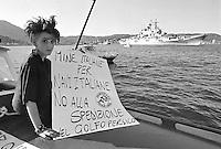 - demonstration in La Spezia against the departure of the Italian military fleet for the Persian Gulf  during the Iran - Iraq war ....- manifestazione  a La Spezia contro la partenza della flotta militare italiana per il Golfo Persico durante la guerra Iran - Iraq