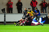 Simon Gardiner of Scarlets scores his sides sixth try during the Guinness Pro14 Round 5 match between Scarlets and Isuzu Southern Kings at the Parc Y Scarlets in Llanelli, Wales, UK. Saturday 29 September 2018