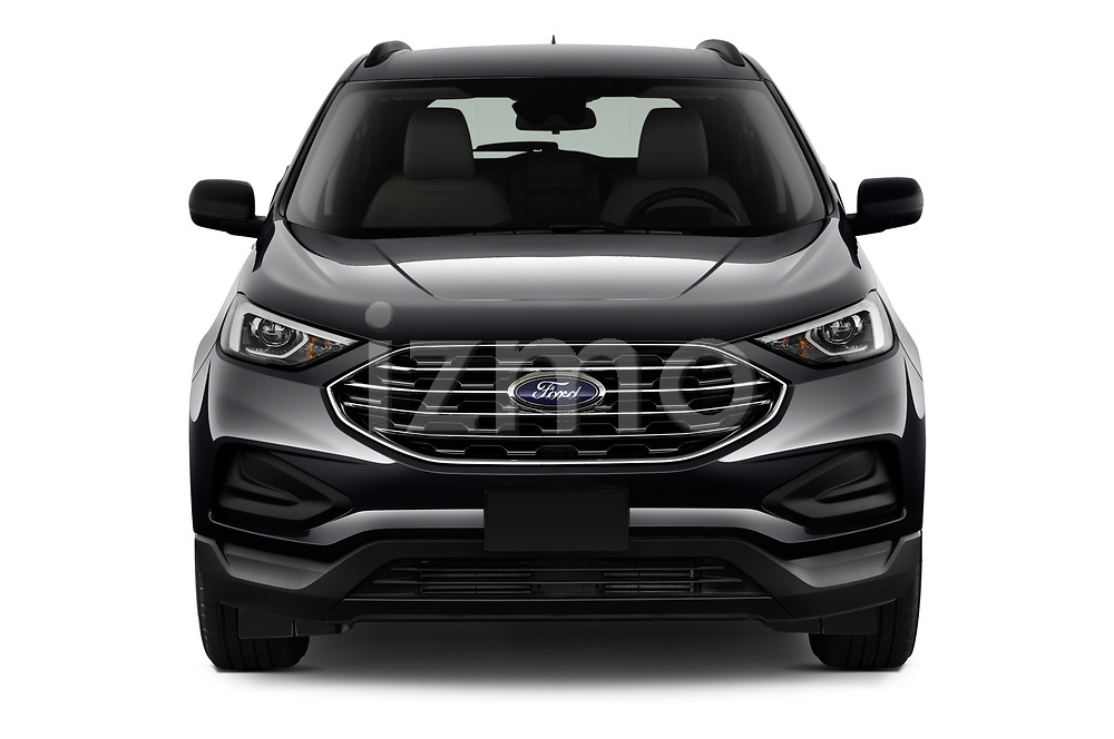 Car photography straight front view of a 2020 Ford Edge SE 5 Door SUV Front View