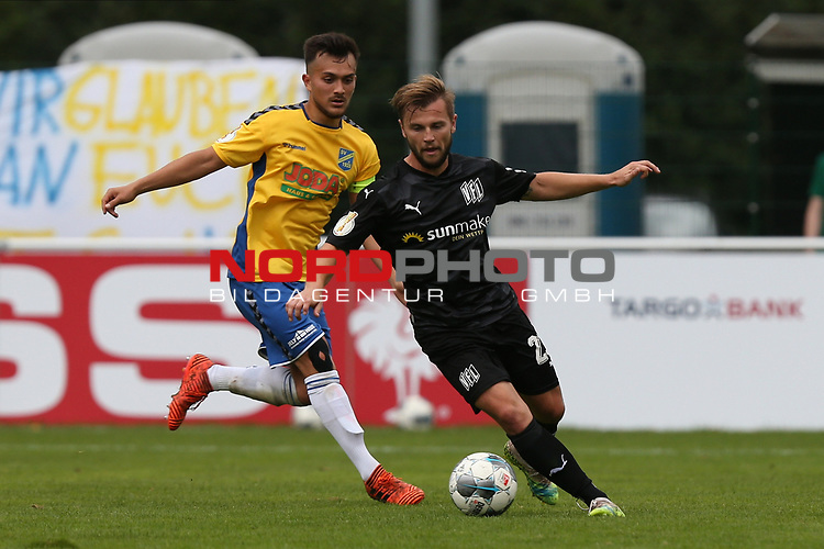 12.09.2020, JODA Sportpark, Todesfelde, GER, DFB-Pokal Runde1 SV Todesfelde vs. VfL Osnabrueck <br /> <br /> DFB REGULATIONS PROHIBIT ANY USE OF PHOTOGRAPHS AS IMAGE SEQUENCES AND/OR QUASI-VIDEO.<br /> <br /> im Bild / picture shows<br /> David Blacha (VfL Osnabrueck) im Zweikampf gegen Luca Sixtus (SV Todesfelde)<br /> <br /> <br /> <br /> Foto © nordphoto / Tauchnitz