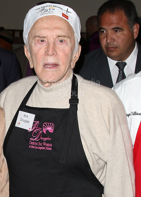 LOS ANGELES, CA - NOVEMBER 26:  Anne Douglas, Kirk Douglas  attends the Los Angeles Mission and Anne Douglas Center's Thanksgiving Meal for the Homeless on November 26, 2008 in Los Angeles, California.<br /> <br /> People:  Anne Douglas, Kirk Douglas
