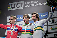 Peter Sagan (SVK/Bora-Hansgrohe) crowns himself World Champion for the 3rd (successive) time & celebrates Sagan-style.<br /> Alexander Kristoff  (NOR/Katusha-Alpecin) is 2nd and Michael Matthews (AUS/Sunweb) 3rd<br /> <br /> Men Elite Road Race<br /> <br /> UCI 2017 Road World Championships - Bergen/Norway