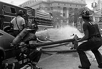 - New York, Fire Department in action....- New York, Vigili del Fuoco in azione..